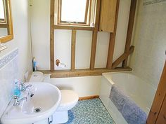 Bathroom | Rushfields Barn, Poynings, nr. Brighton
