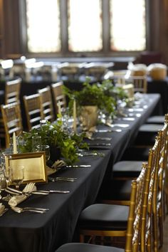 navy blue table linens with gold chiavari chairs the big day pinterest we receptions and gold chargers - Gold Chiavari Chairs