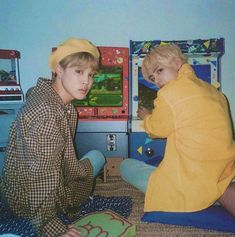 """Theard Best Friend Goals ""VMIN"": For all Jimin biased and Taehyung Biased (Vmin shippers) BTS Vmin, Foto Bts, Bts Taehyung, Bts Bangtan Boy, Namjoon, Jikook, Boy Scouts, Kpop, Bts Season Greeting"