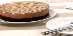 Double Chocolate Cheesecake - I've made this a few times. Very rich! Make whipped cream for the side :) also ensure you use a spring form.I've done it twice with a and it's too thick! Chocolate Cheesecake Brownies, Double Chocolate Brownies, Chocolate Mousse Recipe, Chocolate Wafers, Chocolate Desserts, Chocolate Cupcakes, Anna Olson, Cheese Dessert, Cheese Cakes
