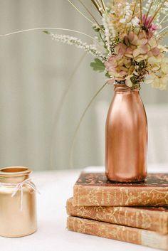Αν δεν είναι για την ανακύκλωση τότε μπορούν υπέροχα να πάρουν άλλη μορφή. Baby Shower Fall, Fall Baby, Terracotta, Vibrant Colors, Colours, Copper Wedding, Centerpieces, Table Decorations, Rose Gold
