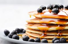 Yesterday we told you how much we love brunch. So in case you're cooking brunch at home today and craving something on the sweeter side, here's another recipe… Blueberry Oatmeal Pancakes, Skinny Pancakes, Pancakes Vegan, Dairy Free Pancakes, Homemade Pancakes, Breakfast Pancakes, Fluffy Pancakes, Cheese Pancakes, Waffles