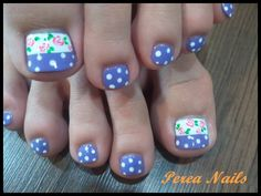 Lovely toe nails~ nail designs..not too sure on the flowers tho...