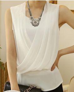 Blouses for women – Lady Dress Designs 50 Fashion, Fashion Dresses, Womens Fashion, Chiffon Shirt, Chiffon Tops, Blouse Styles, Blouse Designs, Sewing Blouses, Fashion Design Sketches