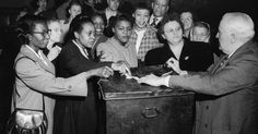 The election is finally here. It's time to vote! It's also time for a handy reminder: if only white people were voting, Donald Trump would be winning this thing in a landslide. Mary Mcleod Bethune, Elizabeth Cady Stanton, Person Of Color, Rosa Parks, Women Names, African American Women, Books To Buy, Civil Rights, Historian
