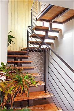 staircase by Arianna Shapira - Interior designer
