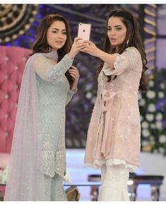 Armina khan and Hania amir Pakistani Formal Dresses, Pakistani Party Wear, Pakistani Wedding Outfits, Pakistani Couture, Pakistani Dress Design, Indian Dresses, Pakistani Sharara, Shadi Dresses, Lehenga Wedding