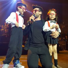 Bellissimo!! By @rsonmezler This moment when @barone_piero noticed two kids dressed like him and called them to the stage!