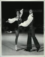 1978 Press Photo Ice Follies skaters Lisa Carey & Chris Harrison