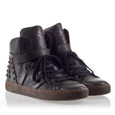 Ash Skunk Womens Stud Sneaker Black Leather 330346  (001)