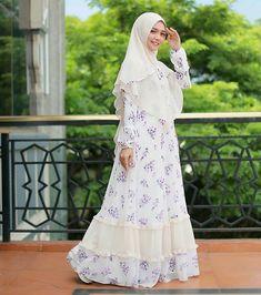==Camaattt...ciaanggg😎☀Think positive😍👍===Dress terkiyuuuuuuutttt @mala_hijab Aylaikit😍😍😍🌼🌼🌼💛💛💛===Dont forget to smile 😊� Hijab Dress, Dress Outfits, Dresses, Dont Forget To Smile, Hijabi Girl, Abaya Fashion, Alhamdulillah, Dress Patterns, Abaya Style