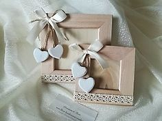bomboniera con cuori porta foto cod.  392E - 392E1 Diy Crafts For Gifts, Paper Crafts, Photo Frame Decoration, Diy Cadeau Noel, Baby Frame, Shabby Chic Crafts, Rustic Gifts, Craft Box, Heart Art