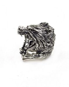 Handcrafted - Fury of the Wolf silver ring. Haha this is freaking cool