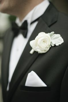 White ranunculus boutonniere as an alternative to the classic white rose // Harwell Photography