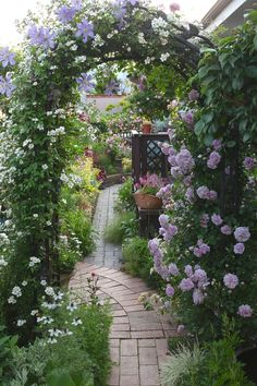 An English Inspired Design Have you ever really thought about how many people see the outside of your home? Small Courtyard Gardens, Small Gardens, Outdoor Gardens, Amazing Gardens, Beautiful Gardens, English Garden Design, Home And Garden Store, Garden Trellis, Autumn Garden
