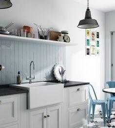 Evolution Sky Blue cm / Industrial design and vintage kitchen decoration with a light blue wall tiles backsplash Kitchen Shelves, Kitchen Decor, Kitchen Cabinets, Kitchen Tile, Evolution, Light Blue Kitchens, Cheap Tiles, Greige, Metro Tiles