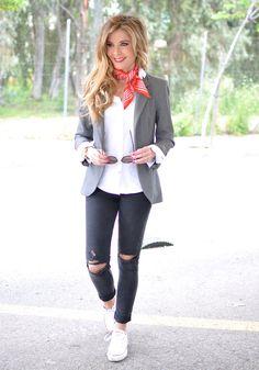 Red bandana, grey blazer, rippedjeans, white converse