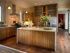 Kitchen: Awesome Hickory Kitchen Cabinets With White Appliances And Kitchen Design Ideas With Hickory Cabinets from The Great Appearance Of The Hickory Kitchen Cabinets
