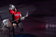 Braden Holtby - February 9, 2013 (Photo by Clyde Caplan / clydeorama.com)