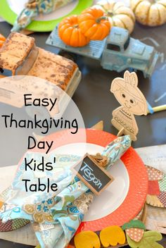 Thanksgiving Day Kids' Table