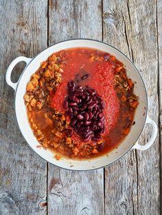 Meksikansk ris med grønnsaker og bønner Quesadilla, Chana Masala, Ethnic Recipes, Food, Quesadillas, Meals, Yemek, Avocado Quesadilla, Eten