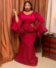 Gorgeous Aso Ebi Styles that will Wow You Appear glamorous and elegant in your next event.so without much sayings,below are the glamorous styles we have for you to copy their styles from. Latest Lace Styles, Latest Aso Ebi Styles, Trendy Ankara Styles, Ankara Gown Styles, Ankara Dress, Casual Styles, African Fashion Ankara, African Print Fashion, Look Fashion