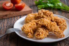 Fokhagymás, bundás csirkefalatok: a corn flakestől lesz még ropogósabb - Recept | Femina Side Dish Recipes, Veggie Recipes, Appetizer Recipes, Snack Recipes, Cooking Recipes, Side Dishes, Corn Recipes, Corn Dishes, Vegetarian Appetizers