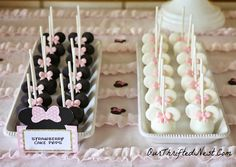 Minnie Mouse Themed Birthday Party: Minnie Mouse Cake Pops
