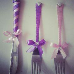 Düğün pastasi icin kullanilan catal bıçaklar kişiye özel tasarlanır