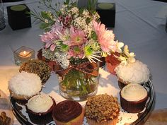 forget the cupcakes, i <3 this centerpiece color & texture!