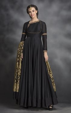 Black chanderi anarkali with bandhani dupatta. Fabric: Chanderi Silk Care: Dry Clean Only Kurta Designs Women, Kurti Neck Designs, Kurti Designs Party Wear, Blouse Designs, Pakistani Dresses Casual, Indian Gowns Dresses, Pakistani Dress Design, Evening Dresses, Black Indian Gown