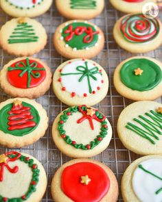 Christmas Biscuits, Christmas Sugar Cookies, Christmas Snacks, Xmas Food, Christmas Gingerbread, Christmas Cooking, Holiday Cookies, Christmas Desserts, Christmas Cake Decorations