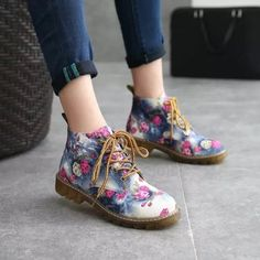 Women Fashion Martin Boots Ladies Soft Flat Ankle Floral Print Lace Up Booties Martin Shoes, Floral Boots, Block Heel Ankle Boots, Block Heels, Outdoor Fashion, Lace Up Flats, Designer Boots, Military Fashion, Military Style