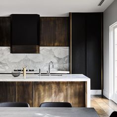 """""""Melbourne Residential Project designed by Flack Studio ~ kitchen interior decoration design inspiration styling photography House Design, Interior, Modern Marble Kitchen, Contemporary Kitchen Design, Contemporary Kitchen, Home Decor, House Interior, Modern Kitchen Design, White Kitchen Design"""