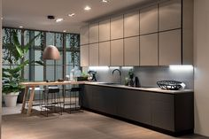 Italian handleless kitchen in matte lacquer with breakfast bar. Ikea Kitchen, Kitchen Interior, Kitchen Decor, Kitchen Cabinet Design, Kitchen Cabinets, Kitchen Walls, Scavolini Kitchens, Handleless Kitchen, Kitchen Wall Colors