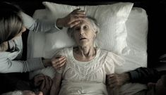 Nurse Reveals The Top 5 Regrets People Make On Their Deathbed  Read more at: http://www.getholistichealth.com/43087/nurse-reveals-the-top-5-regrets-people-make-on-their-deathbed/