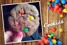 Cookies with m&m's <3  http://kissandcookies.blogspot.com.br/2015/11/cookies-com-m.html
