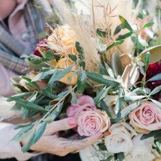 Flower Fashion, Wedding Flowers, Floral Wreath, Blessed, Wreaths, Nature, Plants, Instagram, Decor