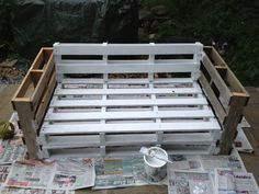 Pallet sofa for patio. Secure all of the pieces together, paint, then add the cushions of your choice! Outdoor Projects, Pallet Projects, Furniture Projects, Garden Furniture, Diy Furniture, Outdoor Decor, Pallet Crates, Pallet Sofa, Wooden Pallets