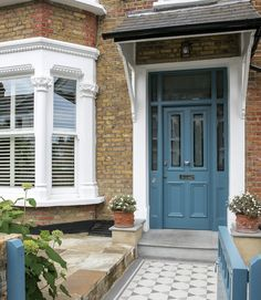 By reconfiguring their period home, the owners have created a harmonious layout filled with colour, character and natural lightThe owners had lived in their Edwardian terraced house in Southwest … Front Door Steps, House Front Door, House With Porch, House Doors, House Entrance, Victorian Front Garden, Victorian Terrace Interior, Victorian Front Doors, London Townhouse