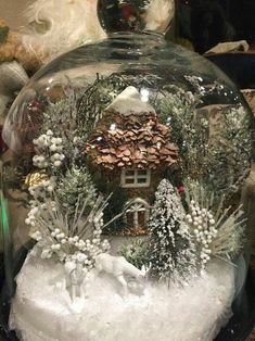 30 Affordable Christmas Table Decorations Ideas 2019 – Welcome My World Decorations Christmas, Christmas Lanterns, Christmas Jars, Christmas Centerpieces, Christmas Holidays, Tree Decorations, Christmas Globes, Snow Globes, Christmas Projects