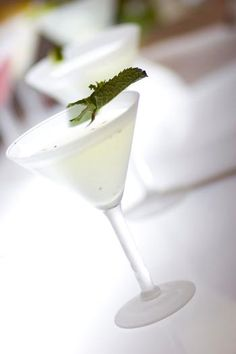 Miami Inspired White Party WHITE NITE AND WHITE LINEN PARTY DRINK