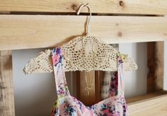 DIY doily hanger: http://AuntieKate.wordpress.com says you could make these in between customers and use for photo shoots, displays, even give them away or sell them!