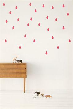 Ferm Living muursticker fluo roze regendruppels à 17,50€
