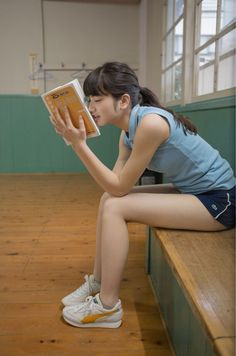 Physical Education Class: studying while waiting for the gym class teacherShould have gone to spec savers😜For Beautiful Human 小松菜奈 first photo bookthe girl not naked — aaprodigyy: 小松菜奈 Cute Asian Girls, Beautiful Asian Girls, Cute Girls, Beautiful Models, Human Poses Reference, Pose Reference Photo, Kawai Japan, Komatsu Nana, Foto Portrait