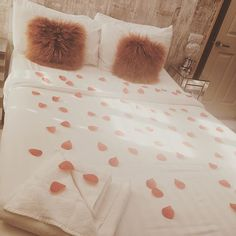 #happyvalentinesday #romantic #bedroomreadyfornight #happyguests #manchester #monton #ivymountguesthouse #