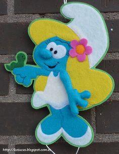 Smurf Girl ,,, Linda.... um trabalho diferente e bonito com o feltro