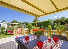 Terrasse du cottage 4 personnes ****  #locationcamping #locationvacancecamping #YellohVillage #mobilhome #emplacements #hebergementsinsolites #camping5etoiles  http://www.camping-bretagne-oceanbreton.fr/location/cottage-4-pers-2ch.html