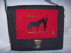Mädchentasche,Beutelhuhn, Mädchen mit Pferd,Wollfilz,anthrazit,rot, WunschName