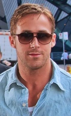 Ryan Gosling once again in our Money 2 sunglases in Auburn Tortoise